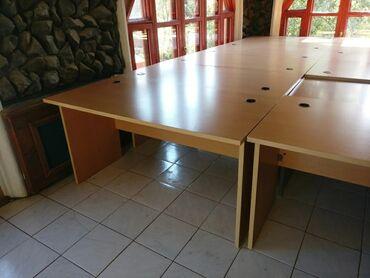 45 объявлений: Офисные столы, 15 шт. Отличное состояние.Самовывоз, Иссык Куль, Тамчы