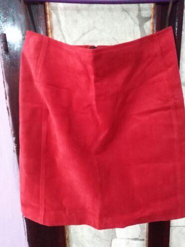 44 - Srbija: Crvena,postavljena, kožna suknja vel 44