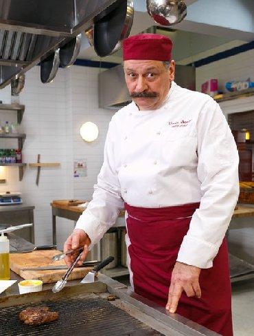 Шеф кондитер - Кыргызстан: Требуется Шеф Повар !!!  В кафе в Боомском ущелье !!! Вахтовая. Все ус