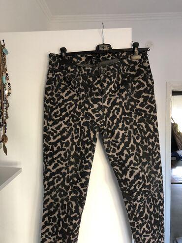 Zenske pantalone broj - Srbija: HM zenske pantalone, farmerke. KAO NOVE. L,XL velicina!! Obucene su