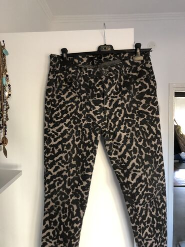 Zenske pantalo - Srbija: HM zenske pantalone, farmerke. KAO NOVE. L,XL velicina!! Obucene su