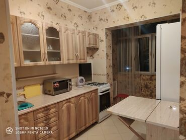 продажа трехкомнатных квартир в Кыргызстан: Сдается посуточно чистая после ремонта 1комн квартира, прекрасным видо