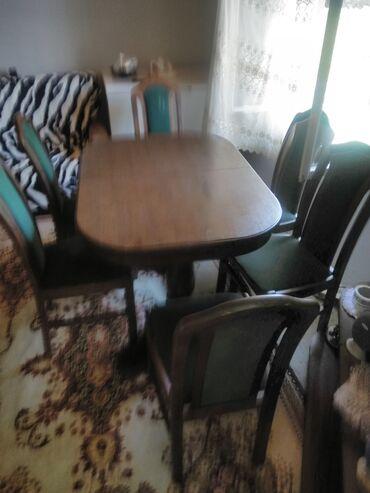 Setovi sto i stolice - Srbija: Prodajem sto sa komplet stolicama (6 kom) nije nigde oštećeno osim na