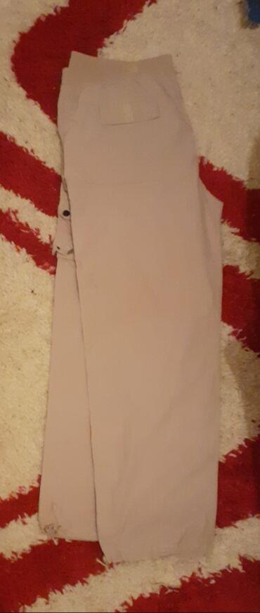 Extra krem kvalitetne pamucne pantalone,predivan
