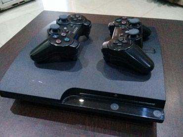 Bakı şəhərində Playstation 3 . praşifkalı . yaddaşında ən son oyunlar. 2 pultla.