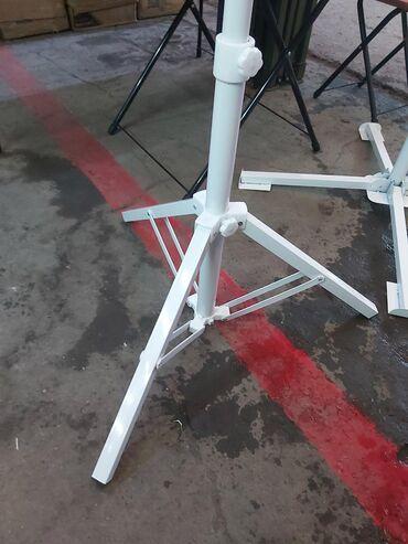 Качественная подставка под зонт . Высокий и стойкий. Подходит к любому