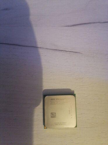 Fly iq4409 era life 4 quad - Srbija: Prodajem potpuno ispravan procesor AMD quad 9650 ima 4 jezgra i 4
