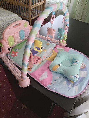 качели железные детские в Кыргызстан: Продаю детский коврик, новая как открыли так и стоит, есть много