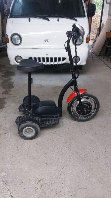 Спорт и отдых - Кызыл-Кия: Электро скутер заряда хватит на 35 км максимальная скорость 30 км/ч