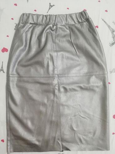 Pencil suknja afroditemodecollection - Srbija: Srebrna pencil suknja iz Italije, nova,nije nošena,nema oštećenja