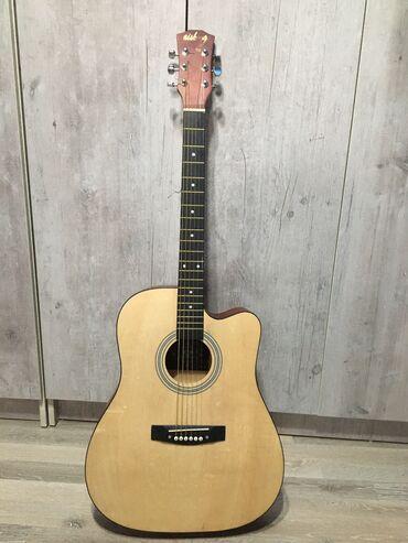 Продаю гитару почти новая,покупал 2 недели назад,продаю так как срочно