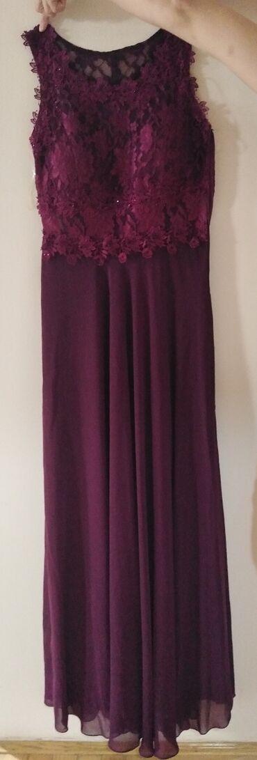 Na prodaju elegantna haljina, nosena samo na par sati. Leprsava, sa ci