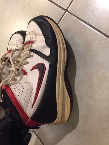 Nike boy's sports shoes. Size 36 . Good condition