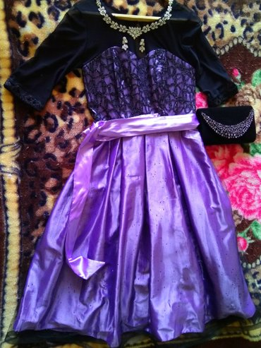 Продаю платье, клатч,набор(серьги, колье). Одевала один раз. в Бишкек