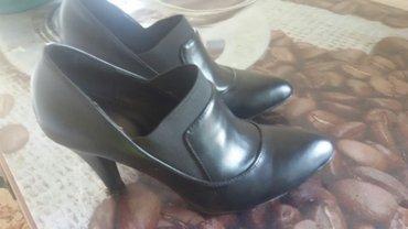 crne cipele za jesen br.38 sa stiklom od 7 cm,jednom obuvene,kao nove - Leskovac
