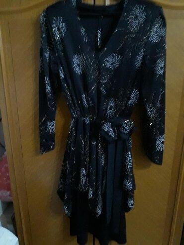 Haljine   Pozarevac: Svecana haljina sa cirkonima,par puta obucena,donesena iz
