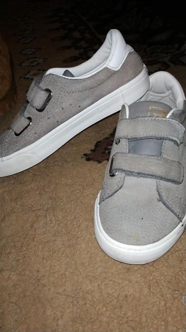 женская обувь в наличии в Кыргызстан: Обувь для девочек 34размер в идеальном состоянии