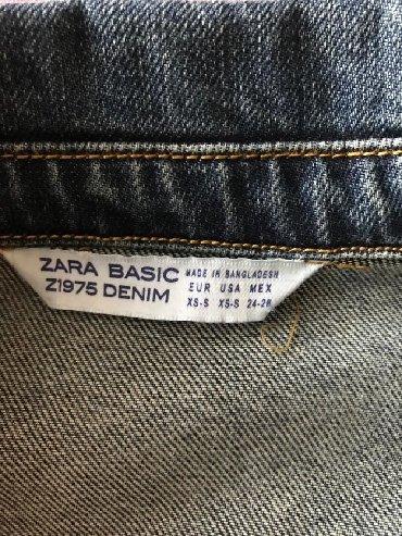 Ženska odeća   Raska: Teksas jakna ZARA Ramena 20, spusteni rukaviLedja 50Duzina rukava