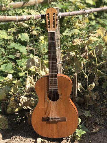 Срочно продаётся гитара.Состояние хорошее.Цена:2700Токтогул