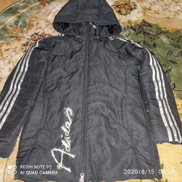 adidas duramo zhenskie в Кыргызстан: Куртка Деми на мальчикаAdidas оригинал на 10-11лет б/у Синие куртка с