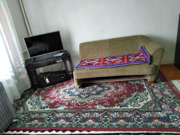 37 объявлений: Срочно продаю диван из России цена 4000 сом