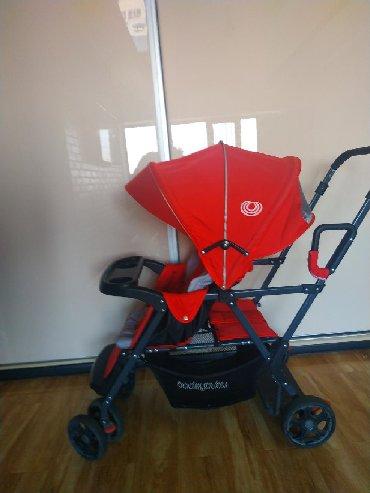 детские коляски для погодок в Кыргызстан: Продаю коляску для погодок. Состояние хорошее, чехлы чистые. Переднее