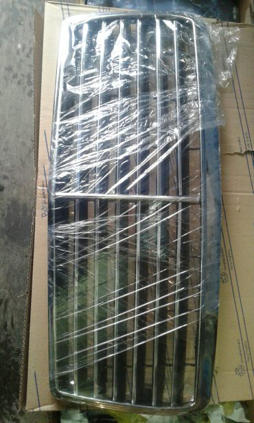 Решотка радиатора мерседес 124кузов Е .цена 1900в зборе В наличии!!! в Бишкек