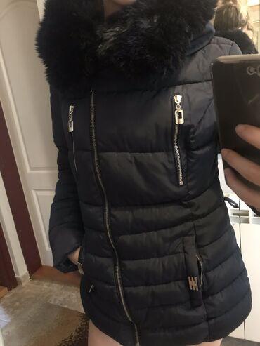 Zimska jakna - Srbija: Zimska jakna, teget boje. Velicina M. Ima i kais koji ide oko struka