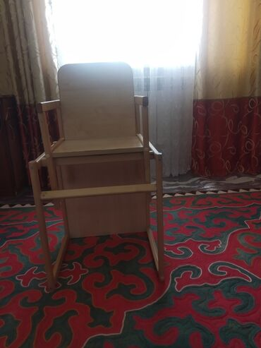 Детский мир - Кок-Ой: Детский стульчик для кормления Состояние отличное Цена:1300