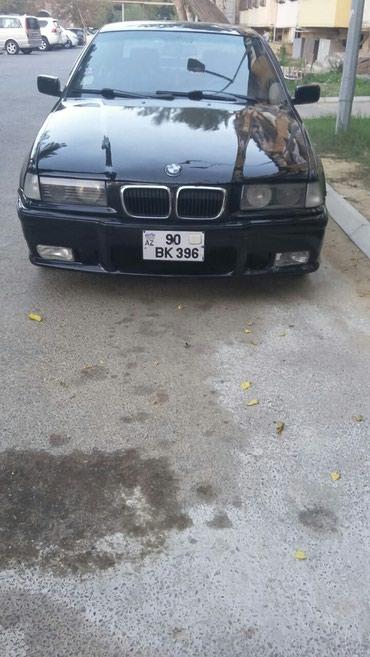 Bakı şəhərində BMW 318 1920