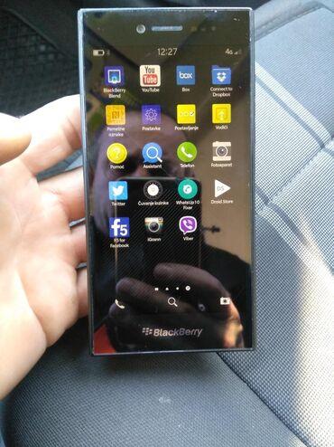 Elektronika - Paracin: Blecberi nov nov ne koriscen telefon ful pac org kutija pinjac