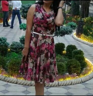 Платье летнее, женственное, красивое, р42-44, 500 сом
