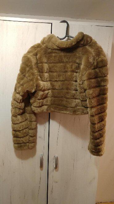Moderna kratka bunda - Srbija: Zenska kratka bunda do struka, kupljena u Italiji, ocuvana, nosena