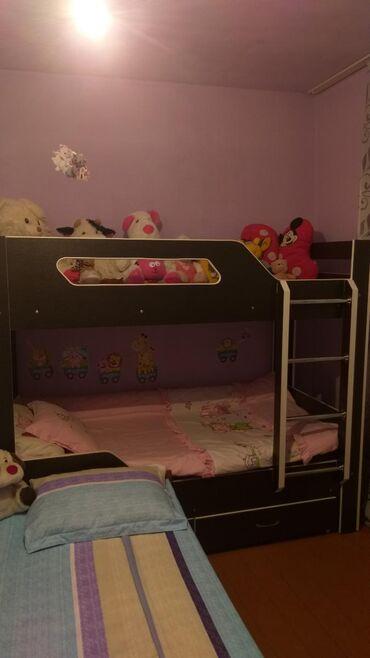 купить качалку детскую в Кыргызстан: Продаём детскую двухярусную кровать. Состояние хорошее. Без матрацов