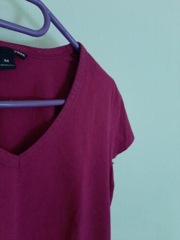 H & M majica sa elastinom. Vel M. Prelepa boja