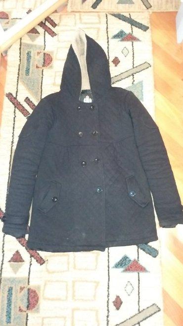 Zenski crni kaputic jakna (nosen jednu sezonu, bez ostecenja)  - Kraljevo