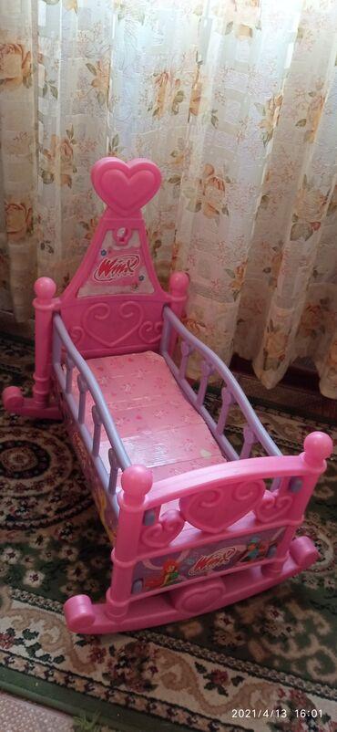 Кукольная кровать. Б/У хорошее состояние. 850 сом !!!!!!!!!!!!!!!!!!!!