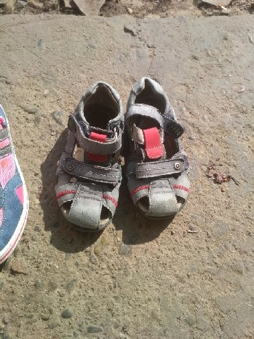сандалии 27 размер в Кыргызстан: Сандали на мальчика 27 размер красотки на девочку 34 состояние хорошее