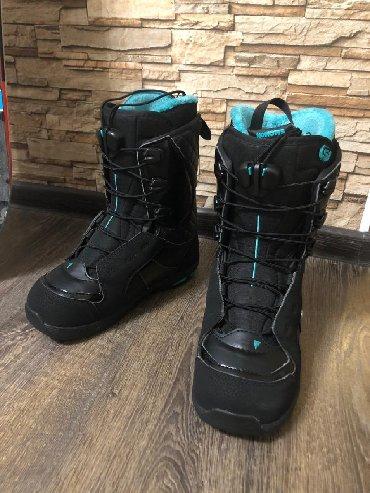 snoubord zhenskij в Кыргызстан: Женские ботинки для сноуборда. Состояние отличное. 36-37 размер