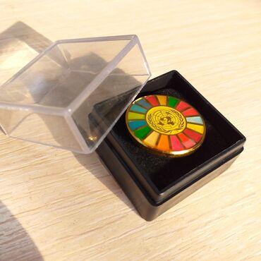 """Значок """"ООН""""Нагрудной значок - это символ придающий значимость и"""