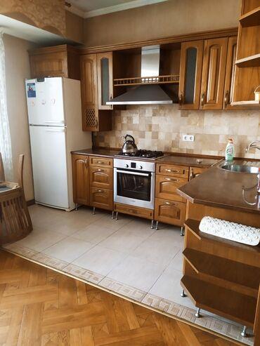 куплю 3 х комнатную квартиру в бишкеке в Кыргызстан: Сдается квартира: 3 комнаты, 170 кв. м, Бишкек