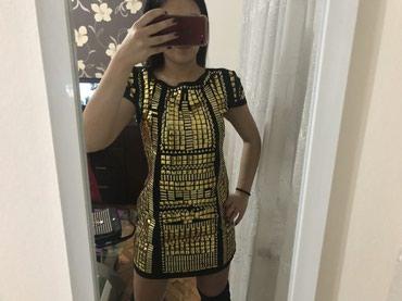 Crna haljinica za zlatnim plocicama po sebi, nosena za jednu priliku, - Sremska Mitrovica
