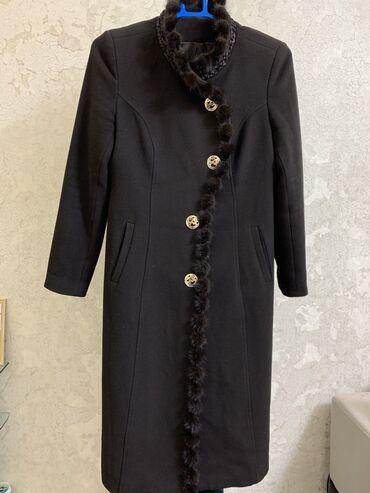 женский пальто в Кыргызстан: Продаю элегантное женское пальто шикарного качестваСостав: 75%