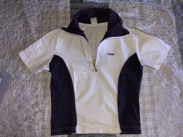 Sport i rekreacija - Kikinda: ARENA sportska majica kratak model S veličina može i za XS.Nošena par