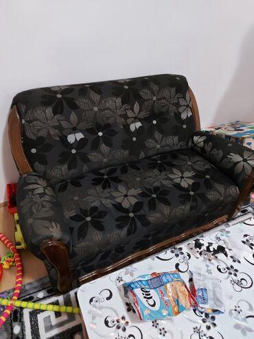 Fotelje | Srbija: Vredi pogledati,prodajem zato sto sam dobila ugaonu garnituru. ima