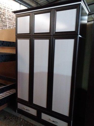 3-створчетый шкаф. размер 1. 28#2. 18 цена 10. 000 сом с доставкой по  в Лебединовка