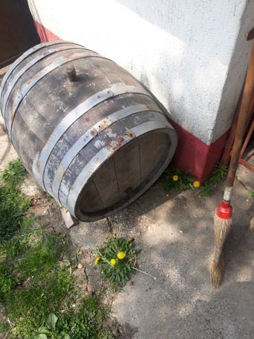 Hrastovo drveno bure ja mislim da je od 80do100l. . bilo mi je vino u - Lazarevac