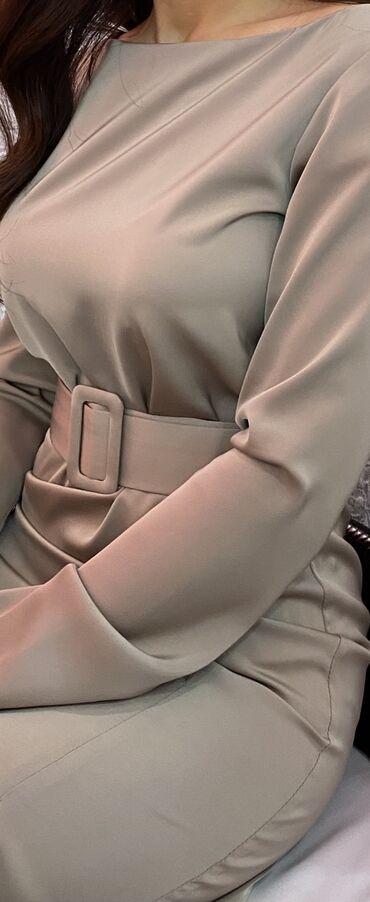 Платье снагшибательное из шелка, носилось один раз!!! Состояние