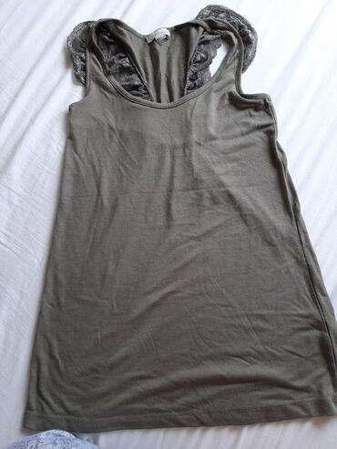 Po za detalje pitajte - Srbija: Majica vel M.U pitanju je Bershka majica, od poliestera. Prijatna je