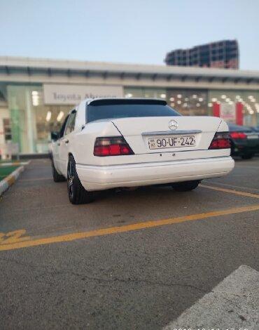 Mercedes-Benz Sumqayıtda: Mercedes-Benz E 230 2.3 l. 1990 | 490612 km